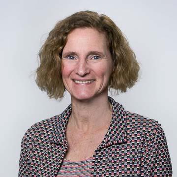 Portrait of PRB staff member Heidi Worley.