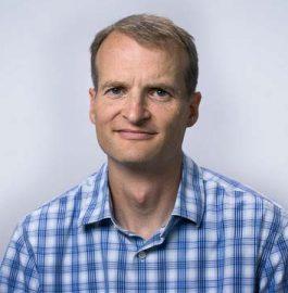 Portrait of PRB staff member Mark Mather.